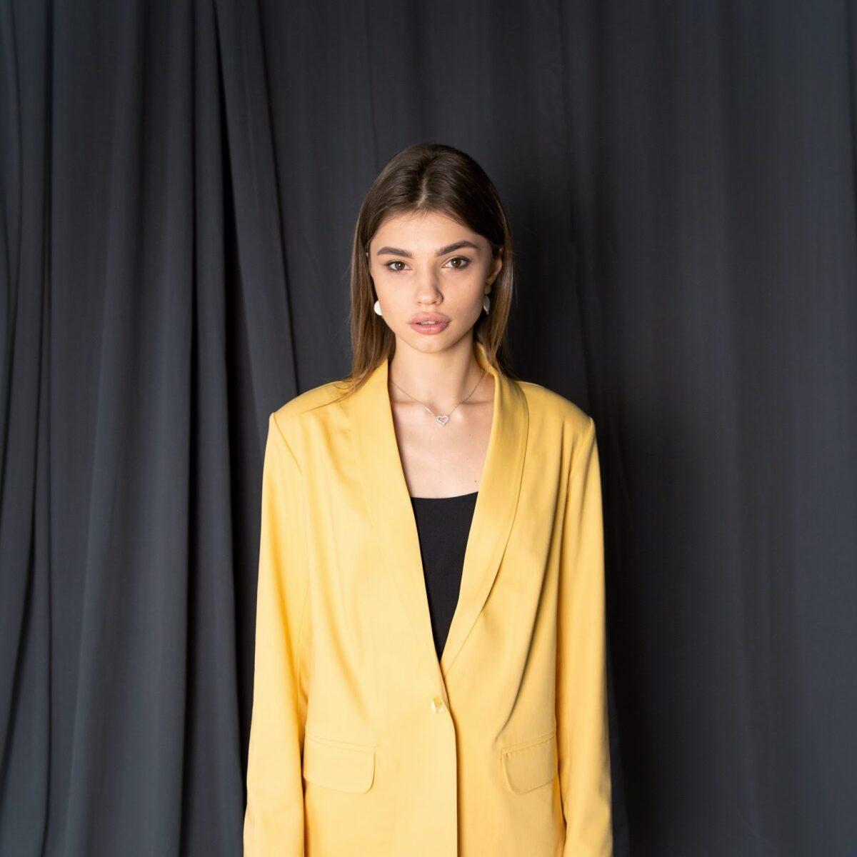 Жакет классический, цвет - желтый