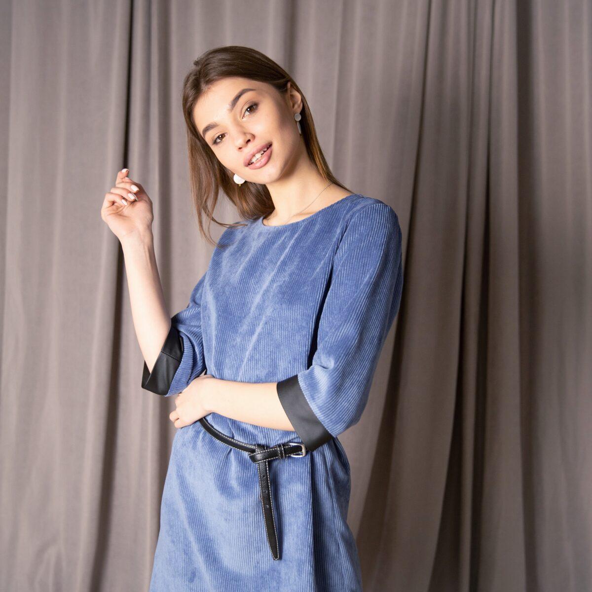 Платье мини из вельвета с поясом, цвет - васильковый