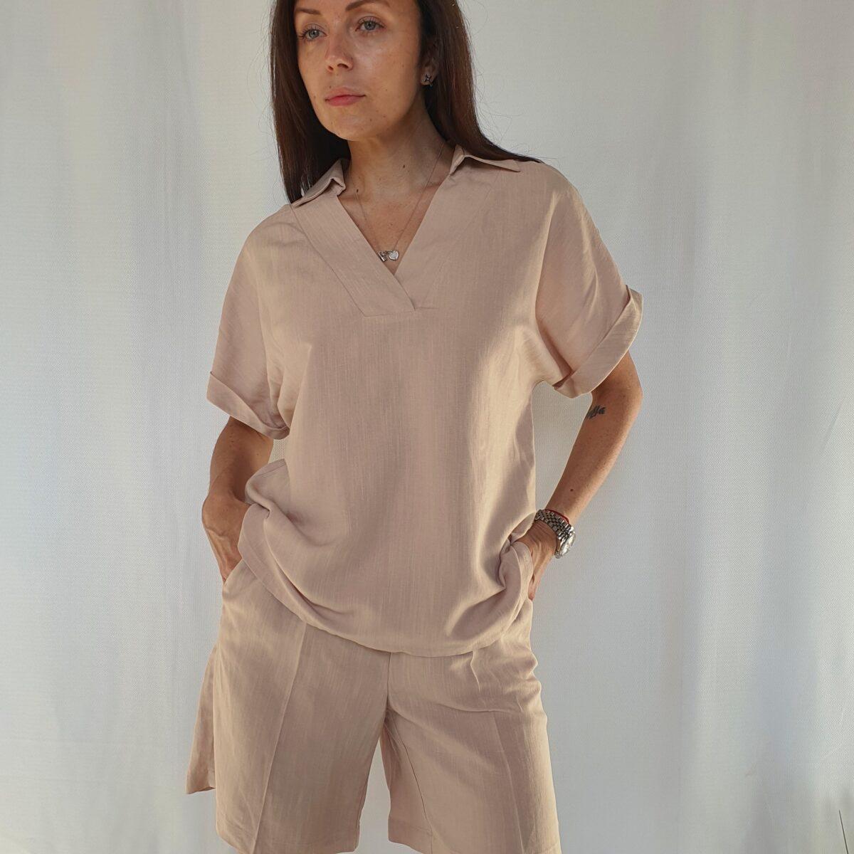 Костюм. Рубашка с коротким рукавом и шорты удлиненные, цвет - беж
