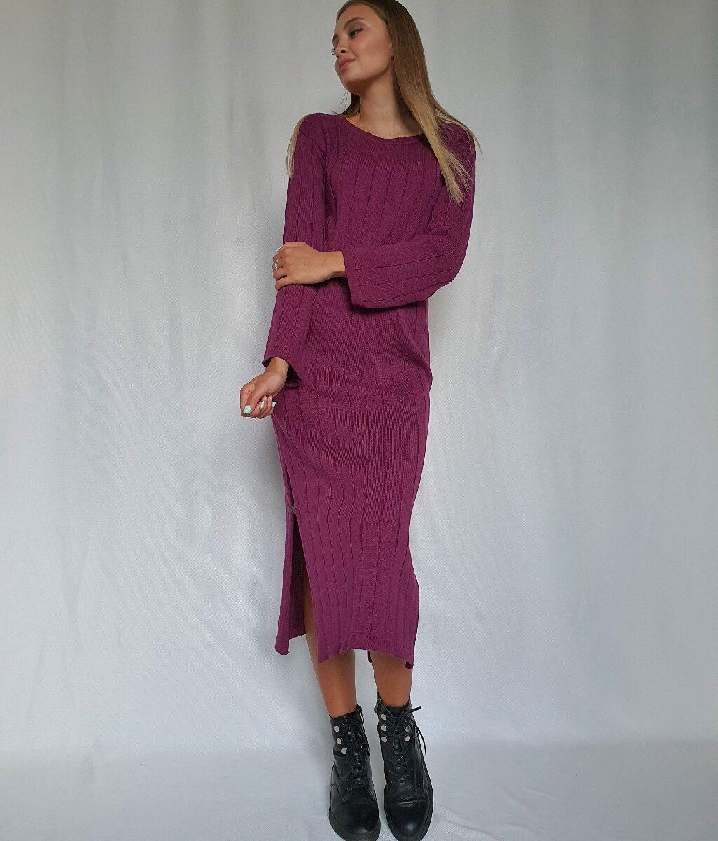 Вязаное платье с разрезами