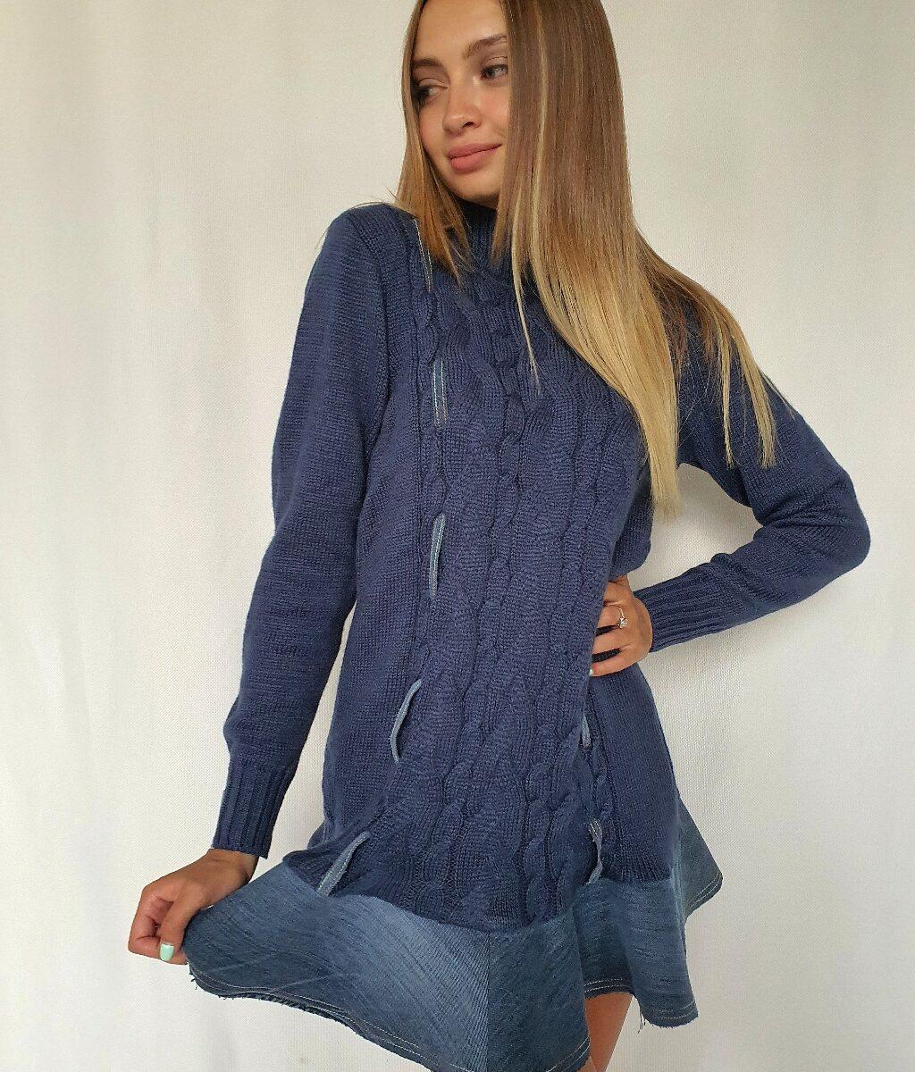 ❤ Вязаное платье c отделкой из винтажного денима. Цвет синий