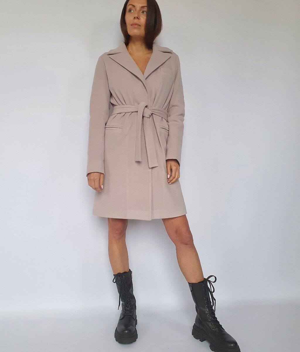 Утепленное прямое пальто