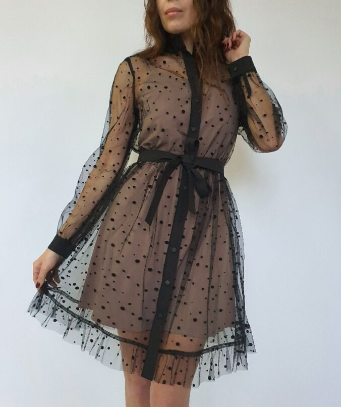 Платье-рубашка из сетки в горошек в черном цвете